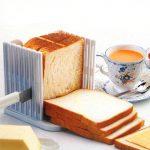 Белый хлеб, порезанный кусочками