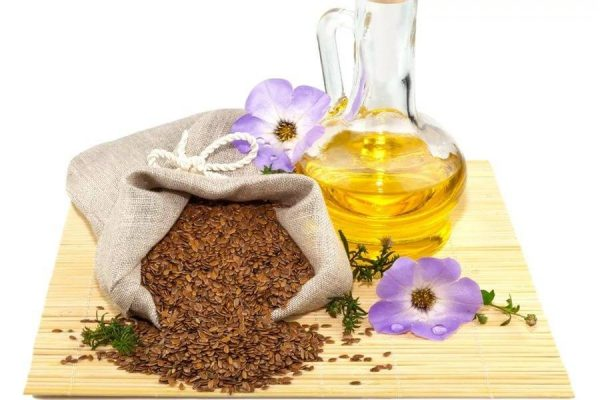 Льняное масло в графине