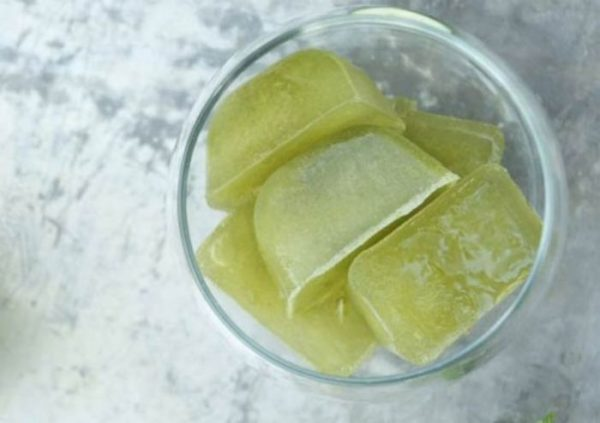 кубики льда из зелёного чая