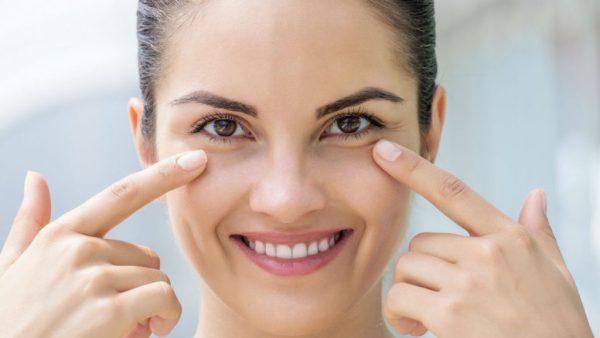 Похлопывания подушечками пальцев вокруг глаз