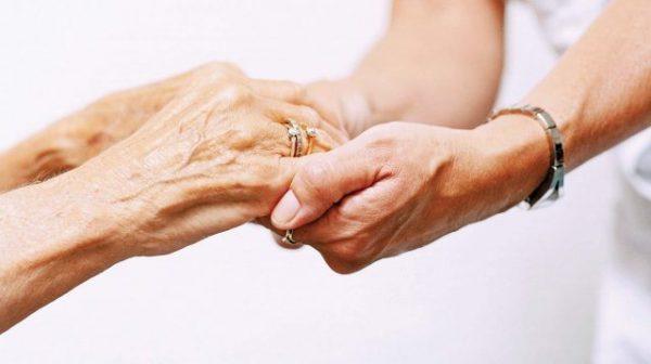 Старые и молодые руки