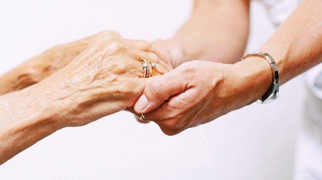 Картинки по запросу старые руки в молодом возрасте