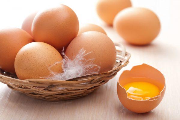 Яйца в плетёной корзиночке