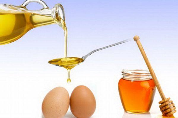 Натуральный мёд, растительное масло и яйца