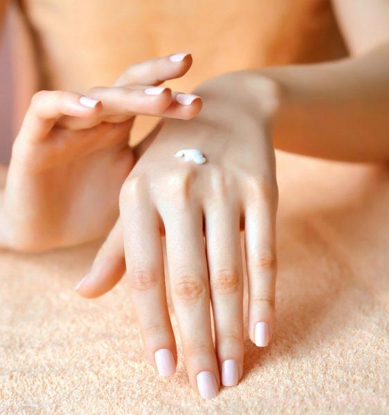 p-3-562x600 Восстанавливающий крем для рук – подбор лучших средств
