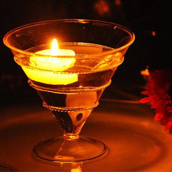 Бокал с горящей свечой