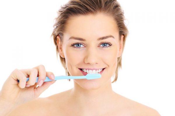 чистка зубов кунжутным маслом
