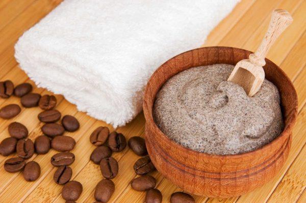 Кофейный скраб, полотенце, кофейные зёрна