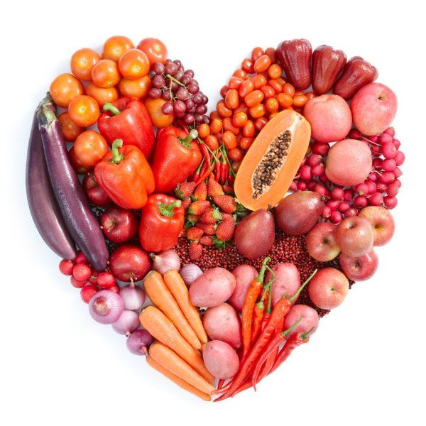 Красные и оранжевые овощи и фрукты