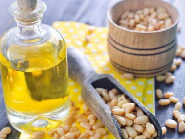 Кедровое масло и орехи