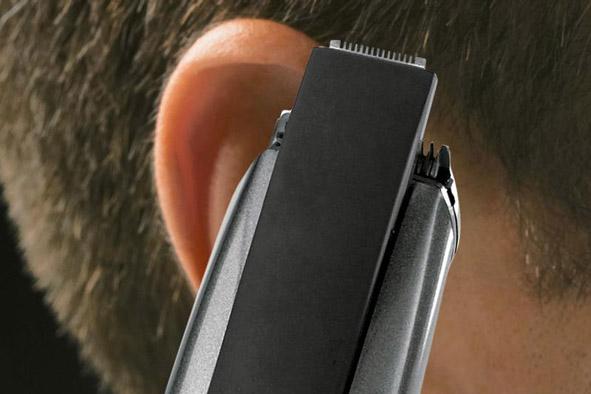 Стрижка волос около ушей