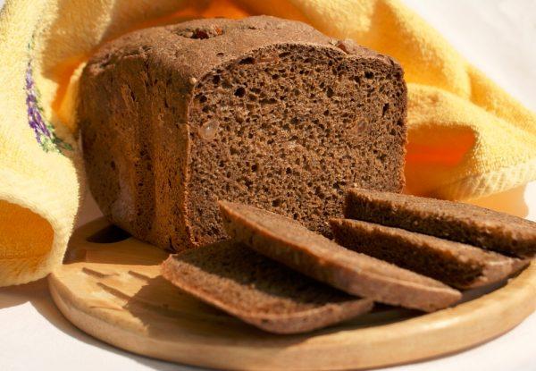 Хлеб, порезанный кусочками
