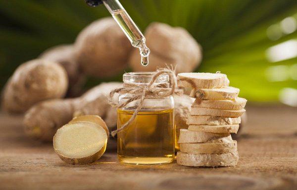 Имбирное масло, имбирь и пипетка