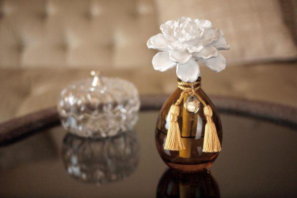 Керамическая роза для аромадиффузора