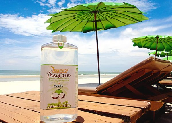 Кокосовое масло на пляже