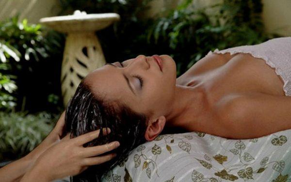 Масляный массаж кожи головы