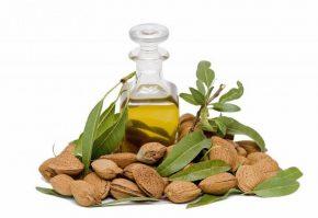Миндальные орехи и масло