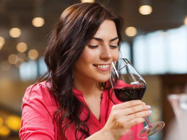 красное вино с эфирными маслами