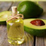 Масло авокадо и свежие плоды