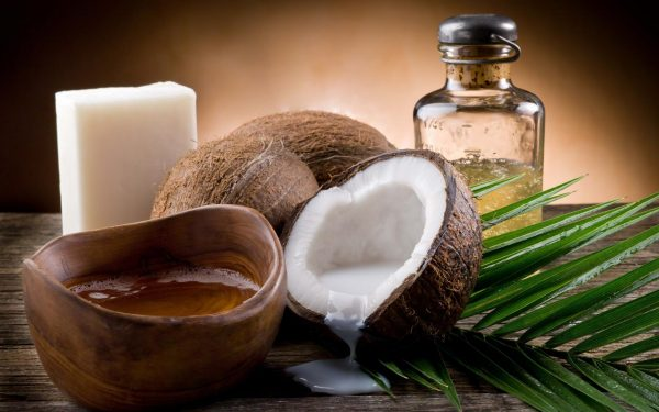 Масло кокоса и плод