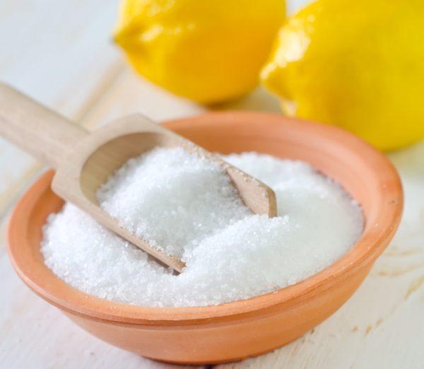 Лимонная кислота в миске