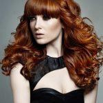 Чёлка с кудрями на рыжих волосах