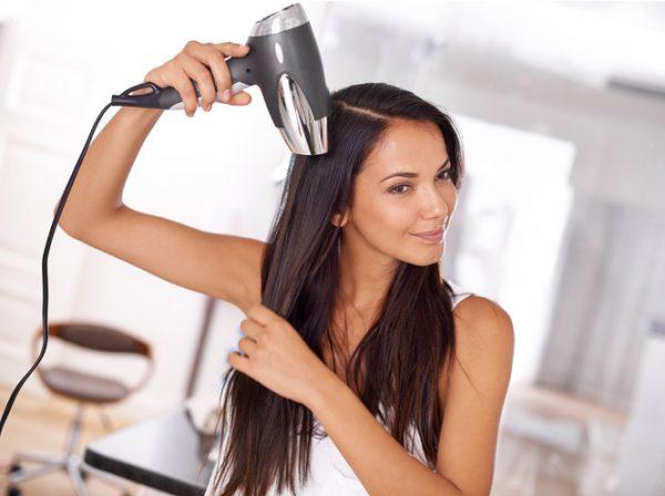 Сушка и укладка волос феном