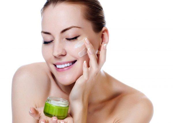 Увлажнение кожи лица после депиляции