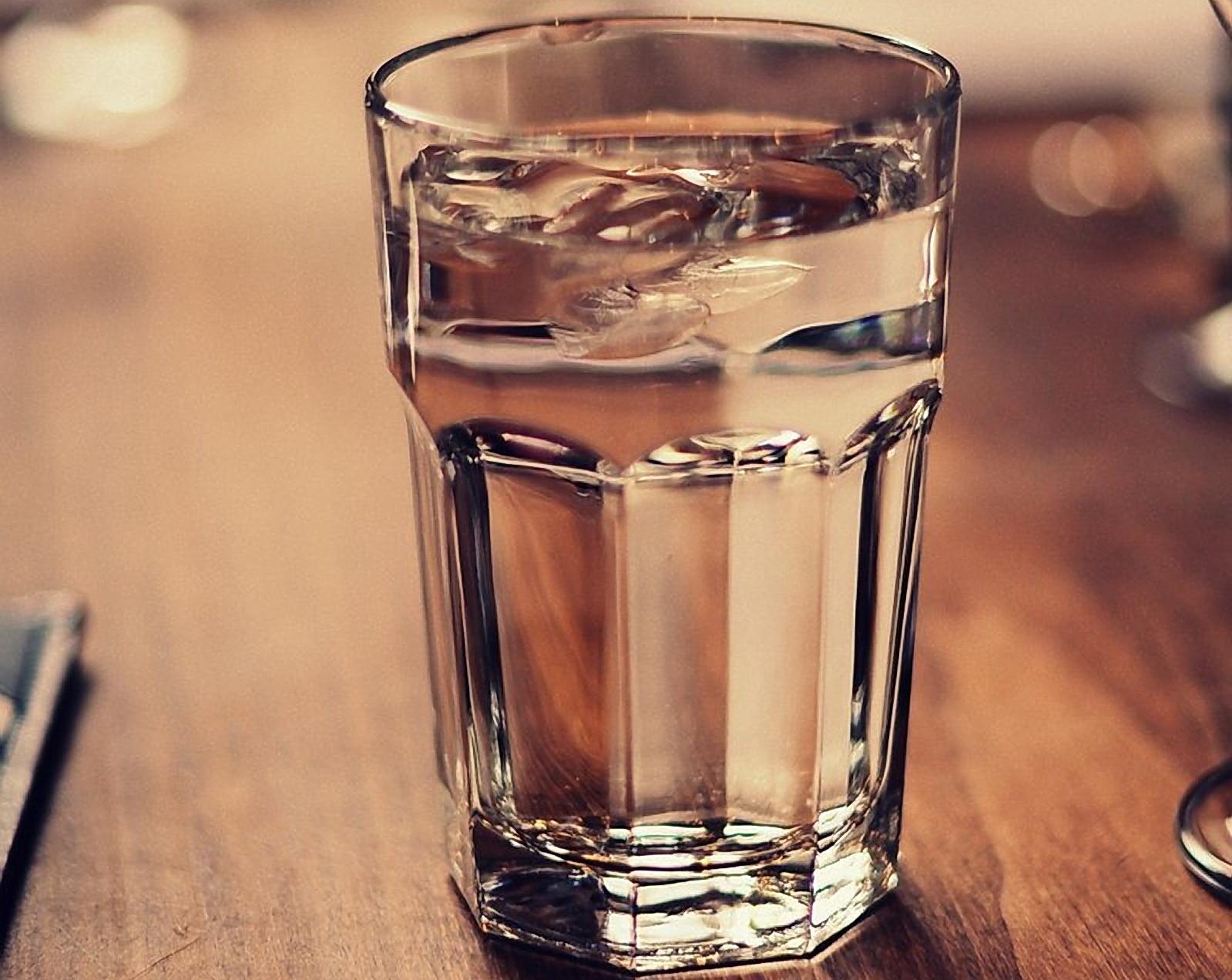практически всегда стакан воды фото помощью