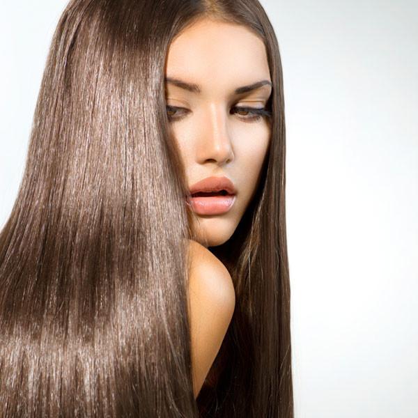 Здоровые и блестящие волосы после применения утюжка