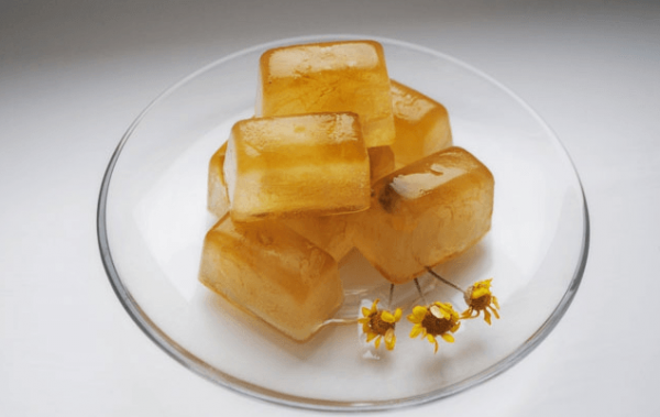 Кубики льда из отвара ромашки