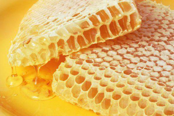 Натуральный мёд в сотах