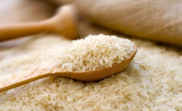Рис и деревянная ложка
