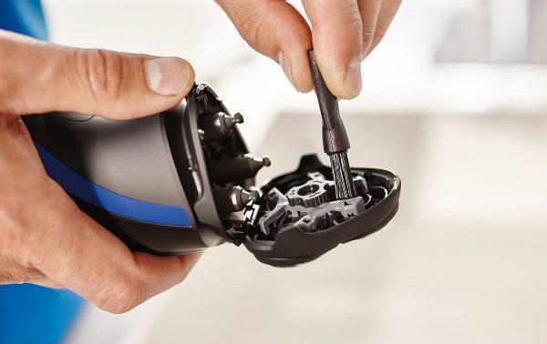 Очистка роторной бритвы