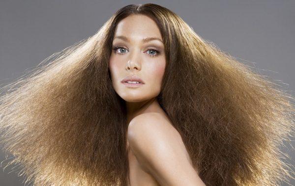 Волосы, страдающие от статического электричества