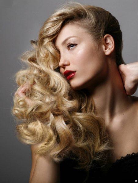 Укладка профессиональным феном для длинных светлых волос