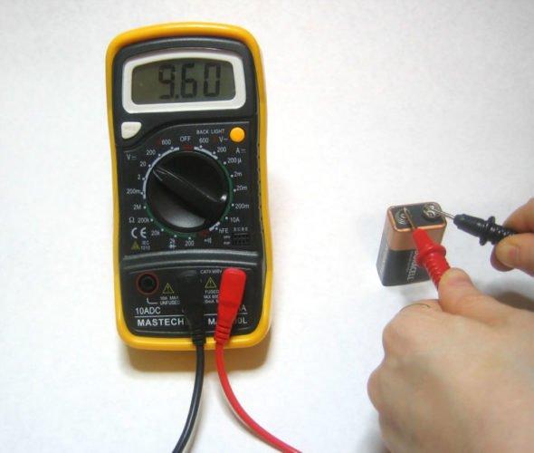 Проверка батарейки на тестере