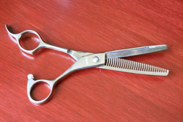 Как подстричь челку, шаг 5