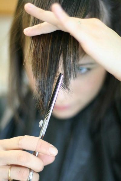 как подстричь челку, шаг 6