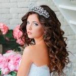 Свадебная причёска с короной
