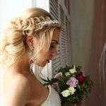 Французская коса в свадебной причёске