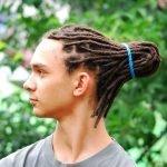 Тонкие дреды в причёске