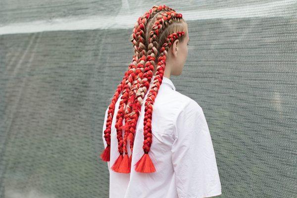 Боксёрские косы с красным канекалоном