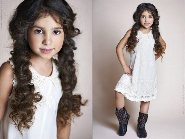 Девочка с косами