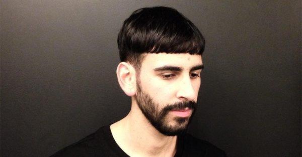 Мужчина с причёской шапочка с чёткими переходами