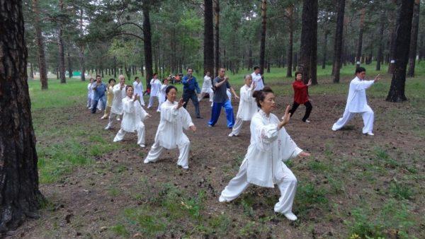 Занятие по методике Цигун в Китае