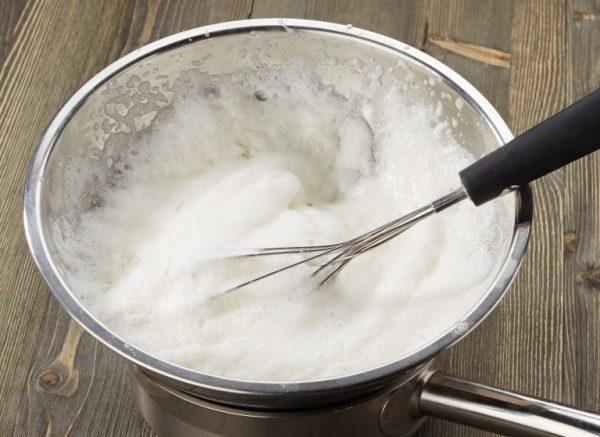 Взбивание белка с сахаром