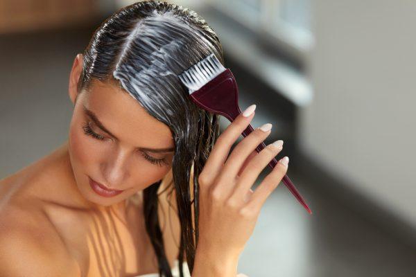Нанесение филлера на волосы