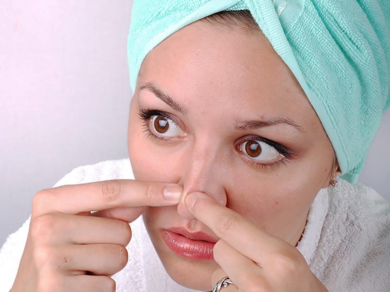 Чем можно выдавить черные точки на носу