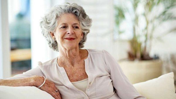 Женщина с пигментными пятнами